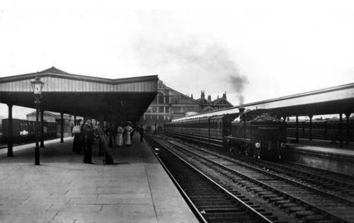tilbury riverside (c1910)