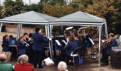 Grays-Town-Band-2001-Grays-Beach-Park